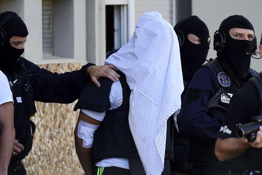 26 juin. Attentat commis à Saint-Quentin-Fallavier en France. Hervé Cornara trouvera la mort. Youssef Salhi se suicidera ensuite en prison.