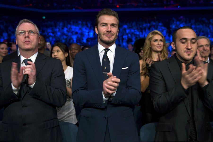 Devant David Beckham et Paris Hilton