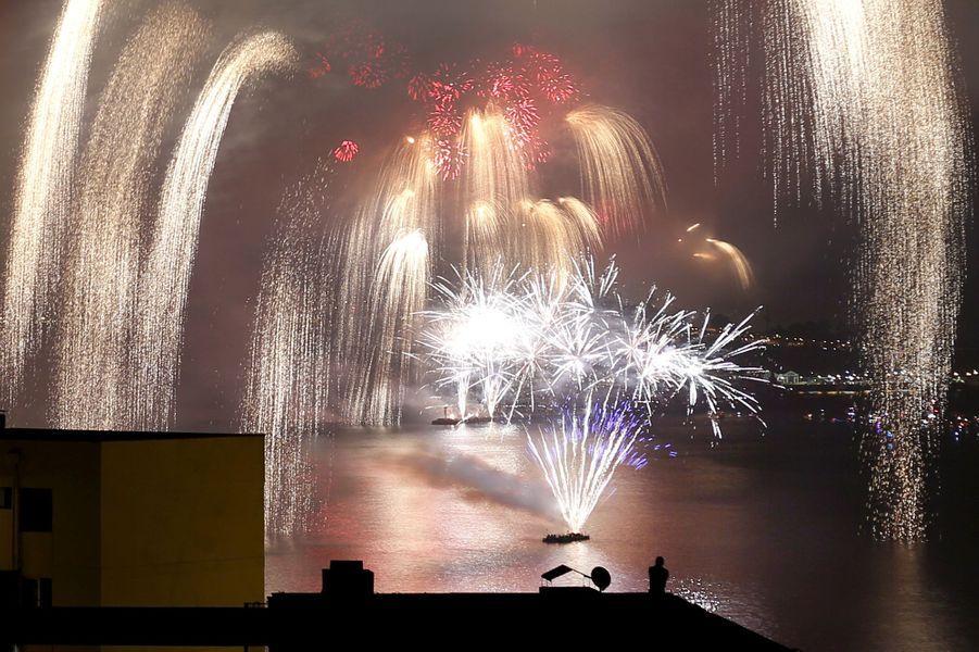 Célébrations de la nouvelle année 2016 à Valparaiso (Chili)