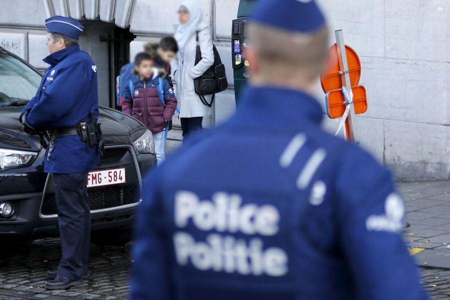 Malgré la menace, Bruxelles reprend vie