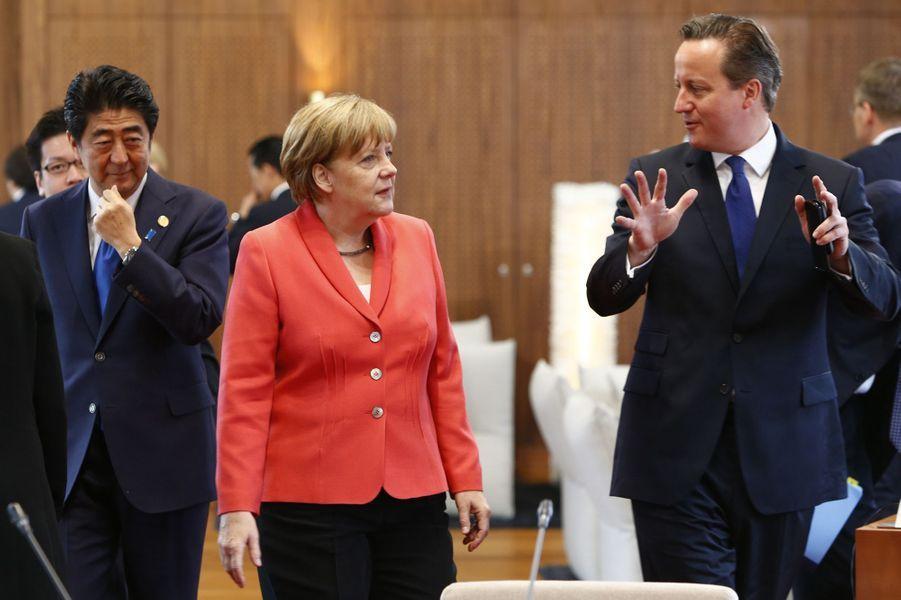 Shinzo Abe, Angela Merkel et David Cameron au sommet du G7 en Bavière