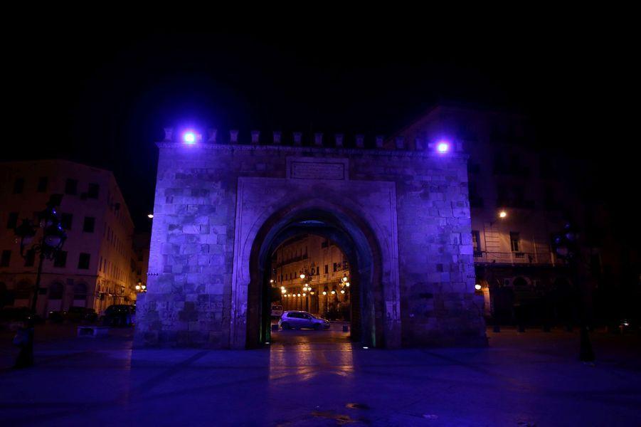 La porte Bab el bhar à Tunis
