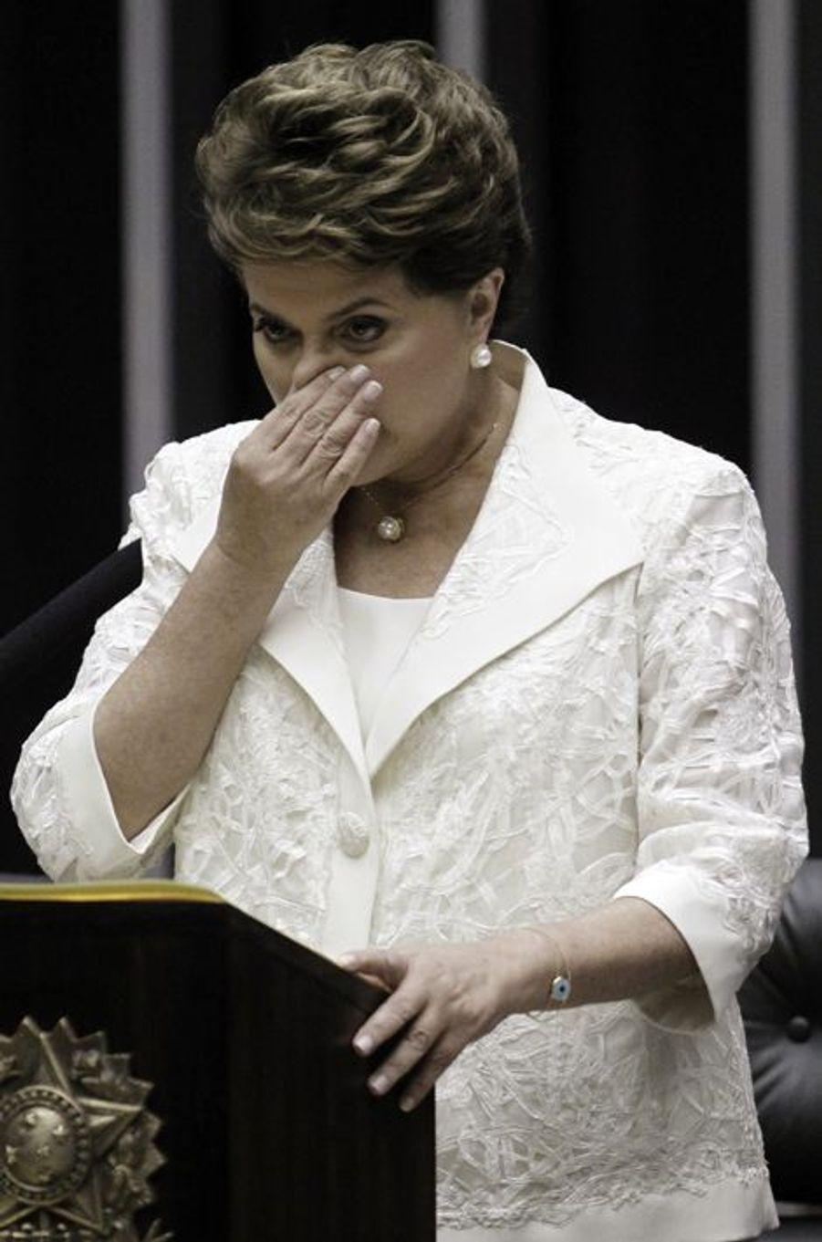 Dilma Rousseff émue aux larmes lors de son discours d'inauguration en tant que Présidente du Brésil, en janvier 2011