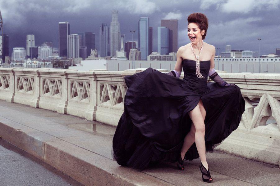 Los Angeles, Etats-Unis - 2 mars 2014 --- L'actrice et réalisatrice française Audrey DANA sur le pont Art déco du East 4th Street, après la cérémonie des Spirit Awards, qui couronnent les films indépendants. A son cou, un sautoir du joaillier Piaget, dont elle fut l'égérie.