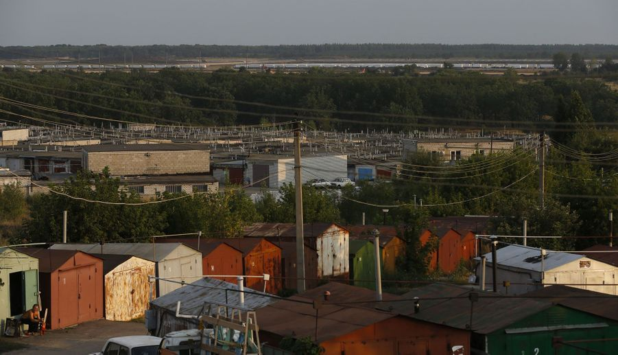 13 août, le convoi stationne sur une base militaire