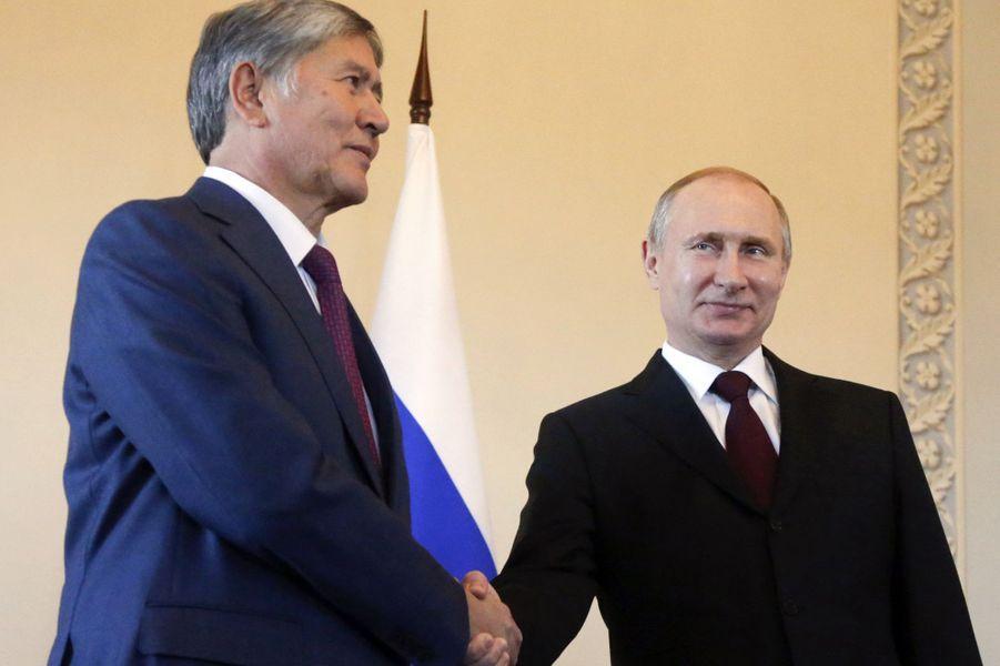Vladimir Poutine a reçu le président kirghiz Almazbek Atambayev