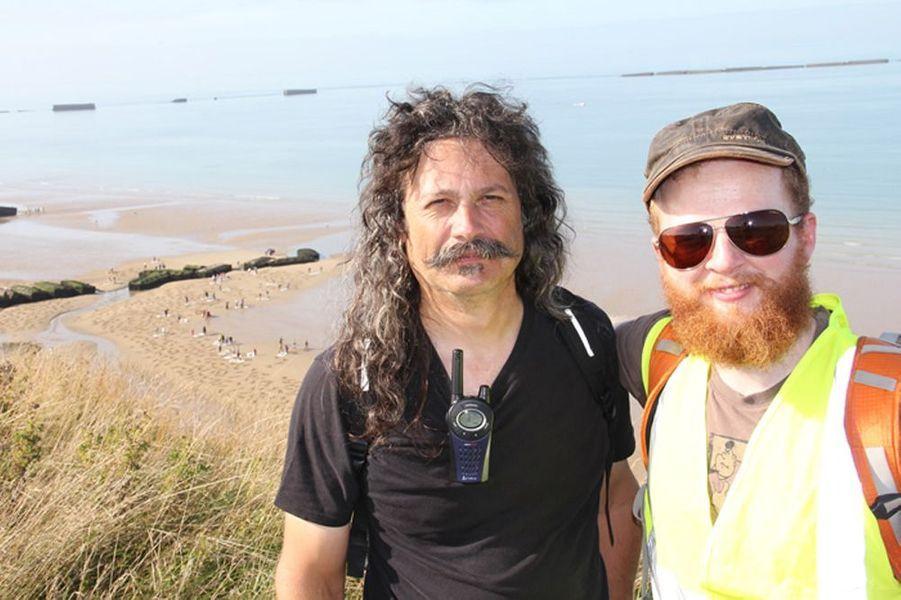 Andy Moss et Jamie Wardley sont deux sculpteurs sur sable, réputés dans le monde entier. Voici leur site: http://www.sandsculptureice.co.uk/blog/tag/jamie-wardley/