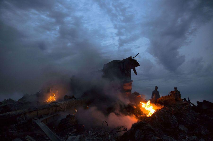 Ukraine : sur les lieux du crash du vol MH17
