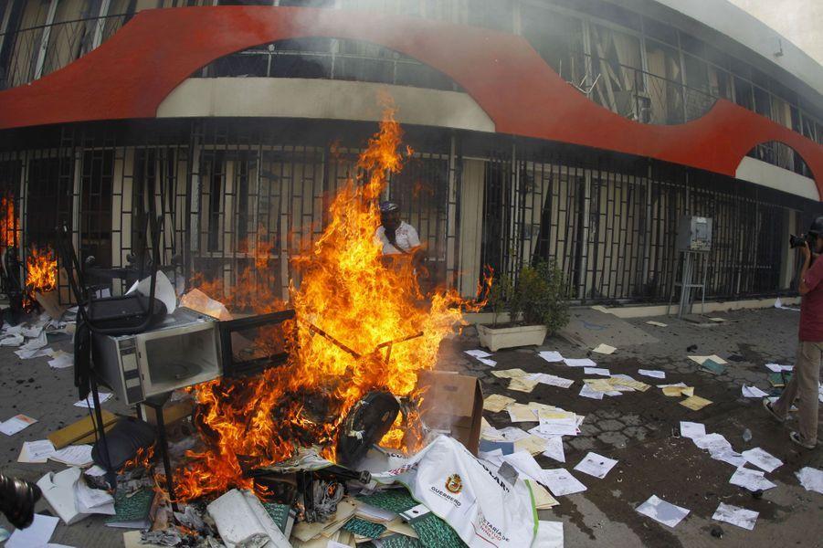 Violences et manifestations, le Mexique s'embrase