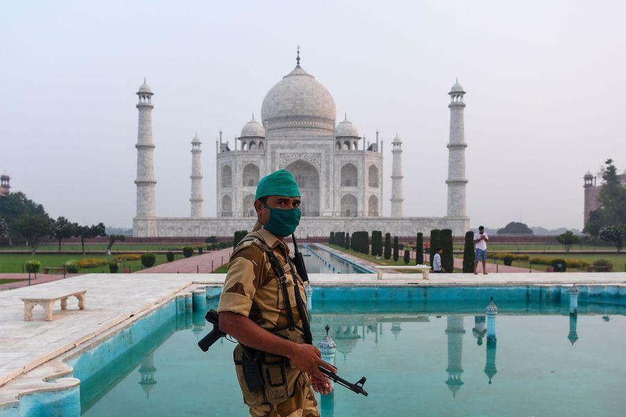 Le Taj Mahal a rouvert ce lundi.