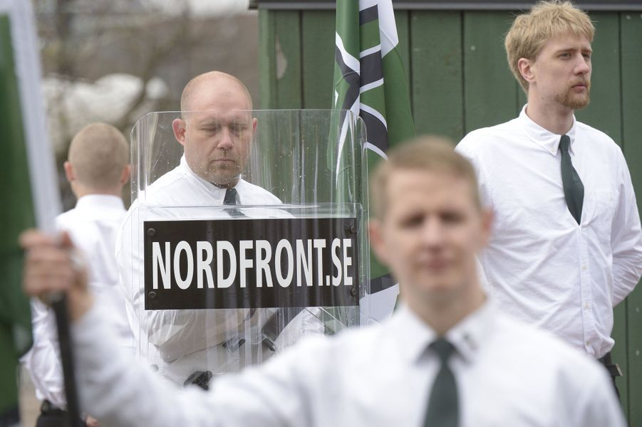 Une manifestation de l'organisation néo-nazie Nordiska Motståndsrörelsen, le 1er mai 2016 à Borlänge, en Suède.