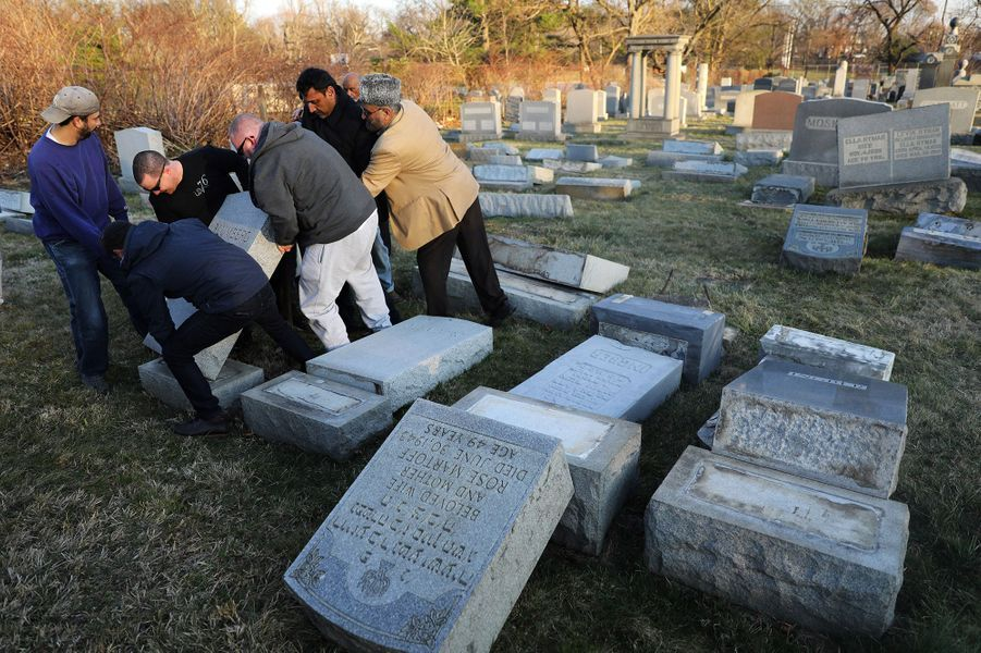 Plus de 500 tombes ont été profanées dans le cimetière juif de Philadelphie