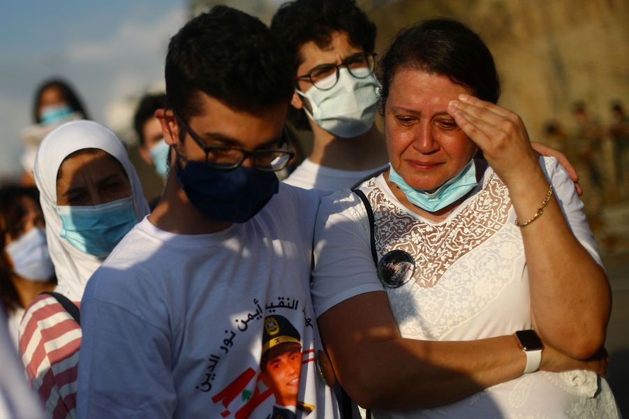 Beyrouth a rendu hommage mardi aux victimes des deux explosions qui ont ravagé la ville le 4 août dernier