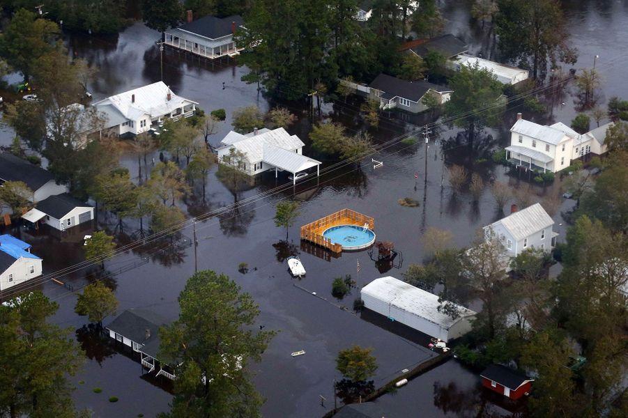 Vue aérienne dePollocksville, inondée.