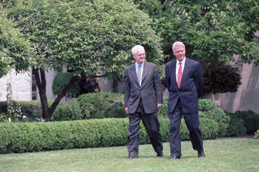 Bill Clinton reçoit le Premier ministre français, Lionel Jospin, à la Maison Blanche, le 18 juin 1998.