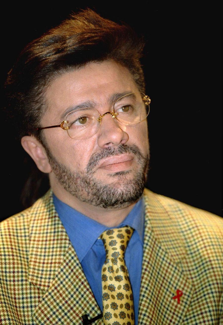 Matoub Lounès dans l'émission « 7 sur 7 », le 8 janvier 1995