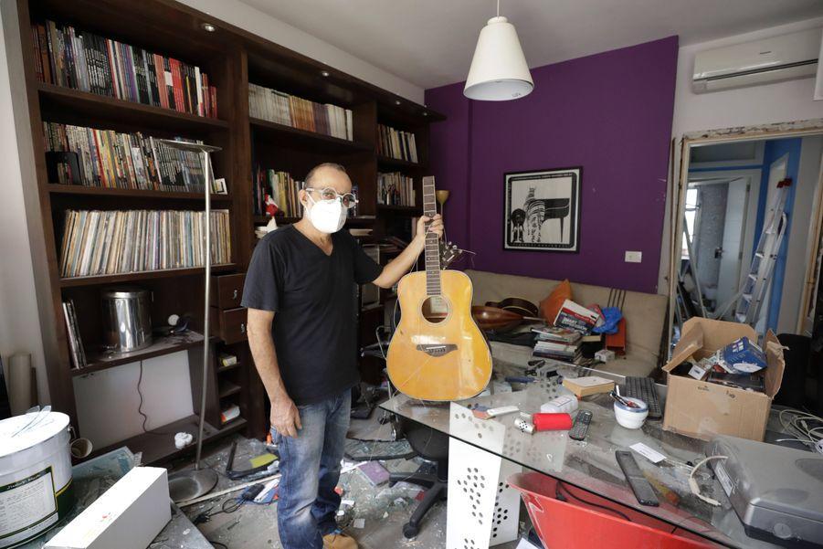 La guitare deAlain Shoucair, 38 ans, a été détruite au moment des explosions.