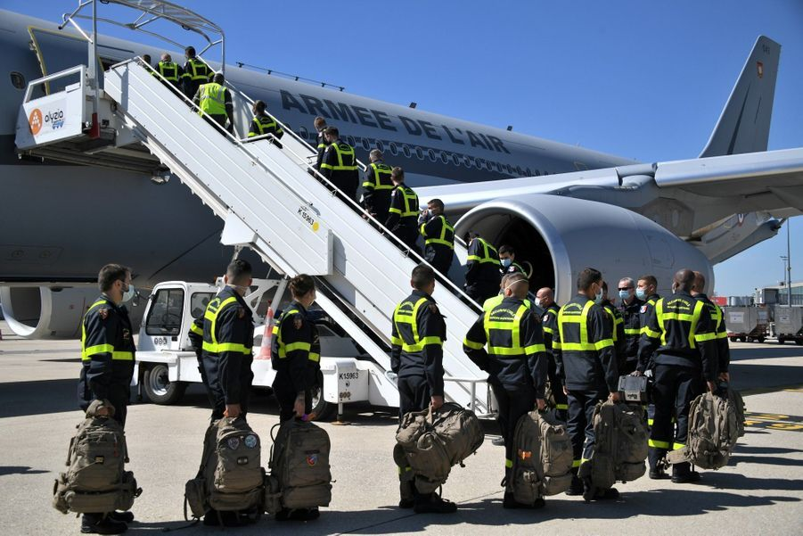Les militaires français partent pour Beyrouth.