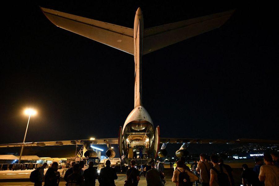 L'avion russe est arrivé au Liban.