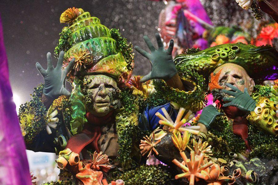 Allusion au film «Pirates des Caraïbes», au carnaval de Rio de Janeiro, le 4 mars 2019.
