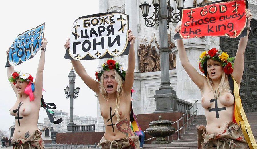 Une devise manifestement respectée à la lettre par le FEMEN, un groupe d'activistes féministes ukrainiennes. L'organisation est devenue mondialement connue pour ses protestions dévêtues contre la corruption, l'injustice, la maltraitance, le tourisme sexuel ou encore le racisme.Le 18 janvier, les militantes ont dénoncé les décisions radicales de l'ambassade indienne à Kiev.
