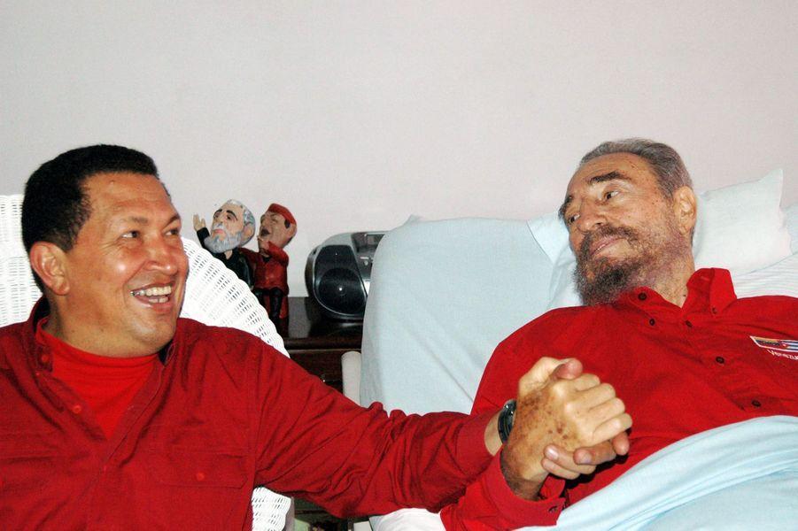 Fidel Castro, photographié en août 2006 avec Hugo Chavez.