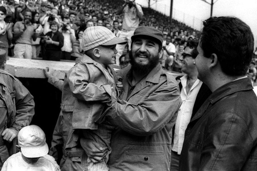 Fidel Castro, photographié en février 1965.