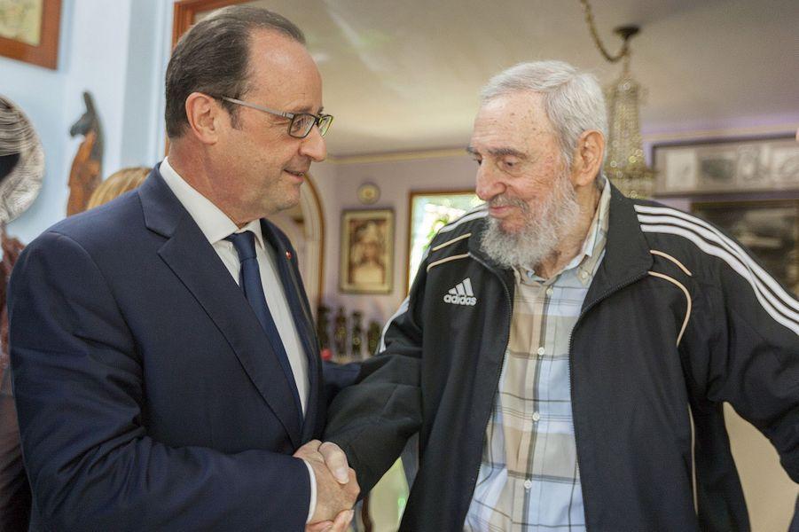 Fidel Castro, photographié en mai 2015 avec François Hollande.