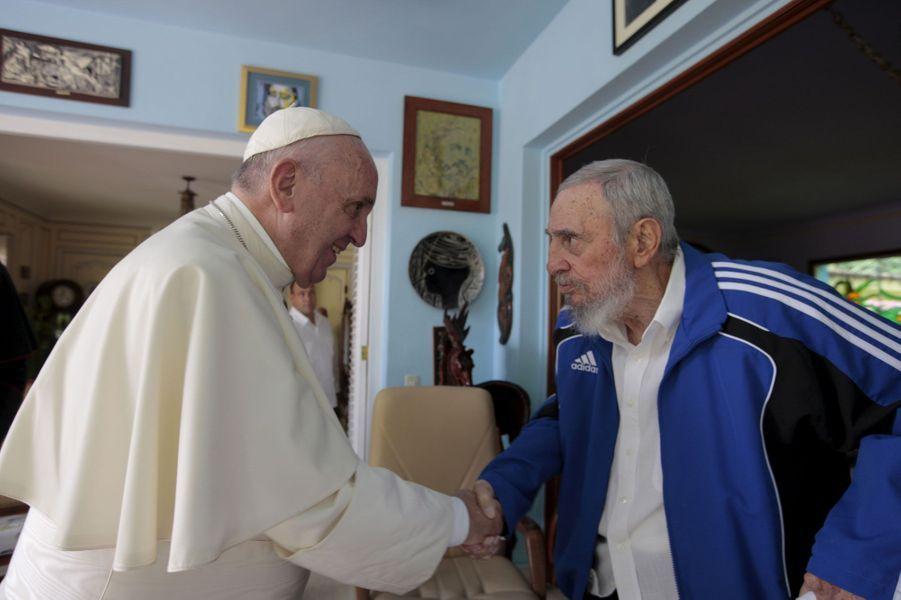 Fidel Castro, photographié en septembre 2015 avec le pape François.