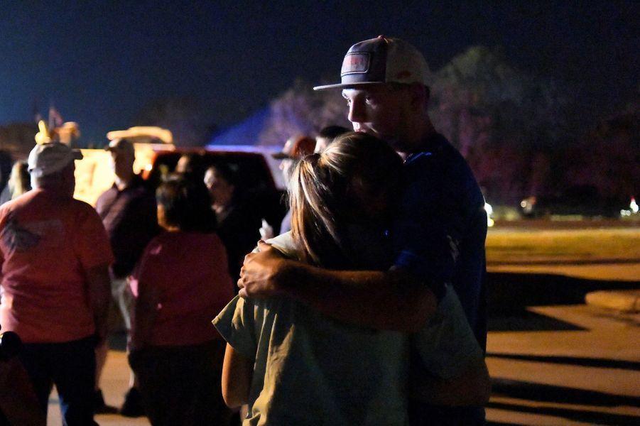 Une veillée a été organisée dimanche soir en honneur des victimes de la tuerie de Sutherland Springs.