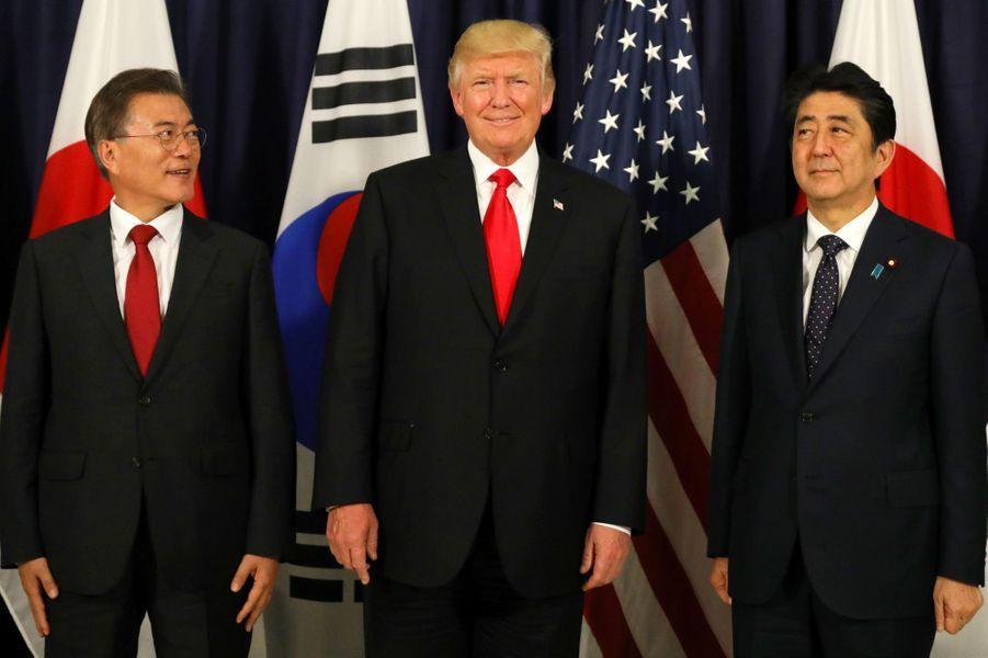 Moon Jae-In, Donald Trump et Shinzo Abe à Hambourg, le 6 juillet 2017.