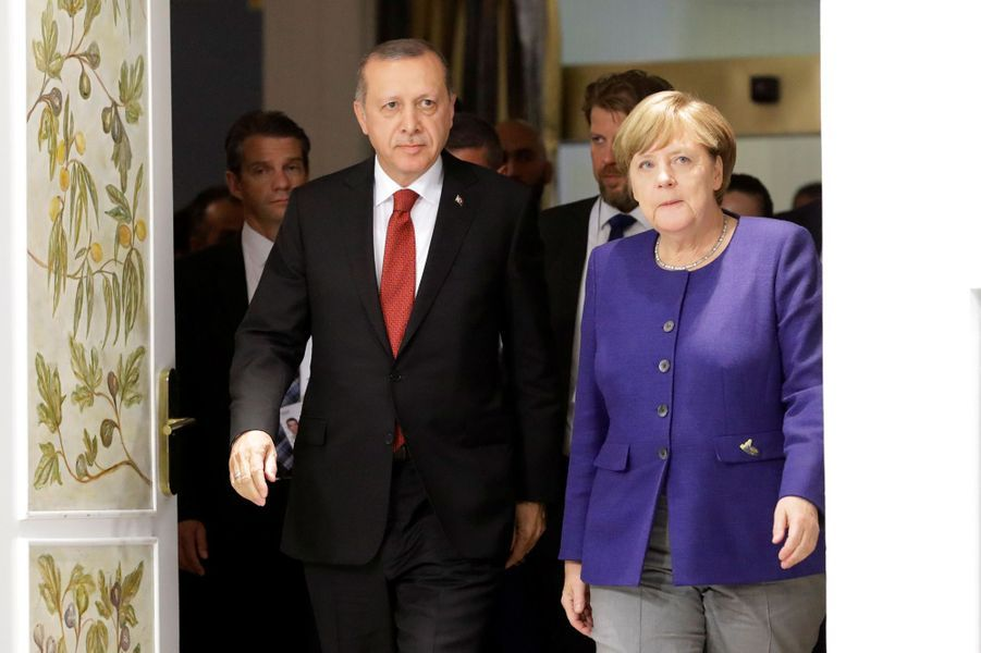 Recep Tayyip Erdogan et Angela Merkel à Hambourg, le 6 juillet 2017.