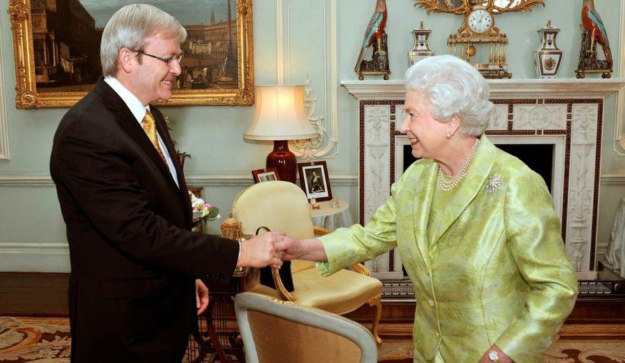 La reine Elisabeth en compagnie du premier ministre australien, Kevin Rudd