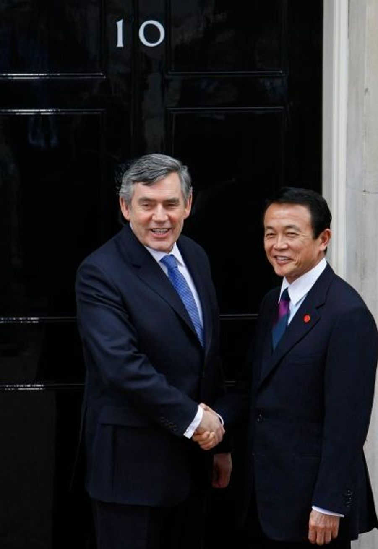 Le premier ministre britannique, Gordon Brown et son homologue nippon Taro Aso