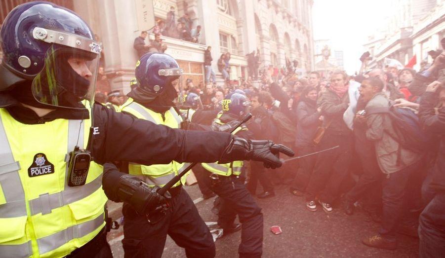 Affrontements entre manifestants et forces de l'ordre