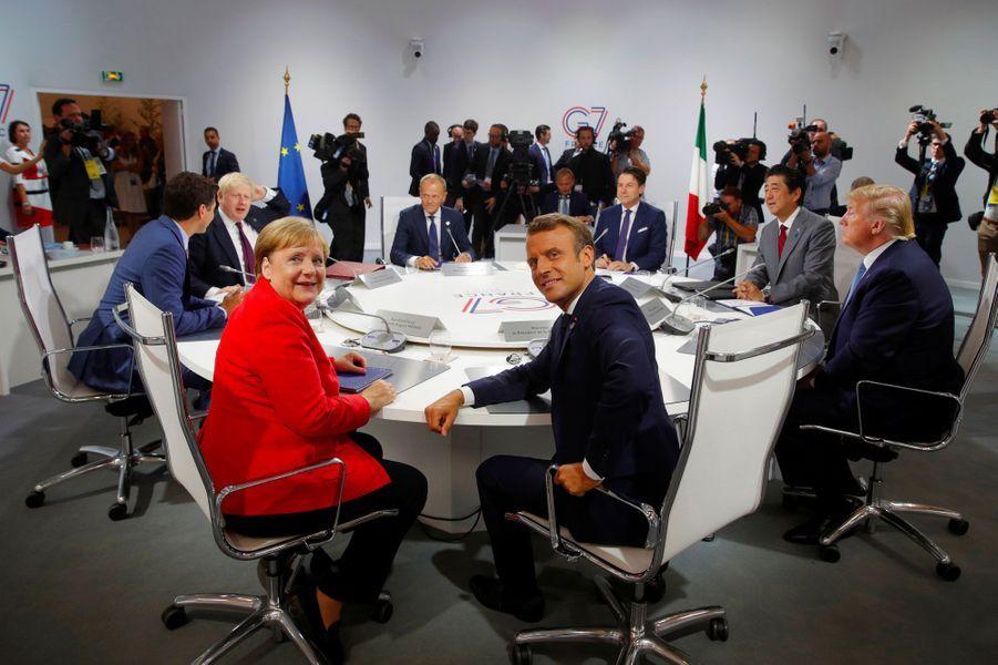 Emmanuel Macron et Angela Merkel,dimanche matin, à Biarritz.
