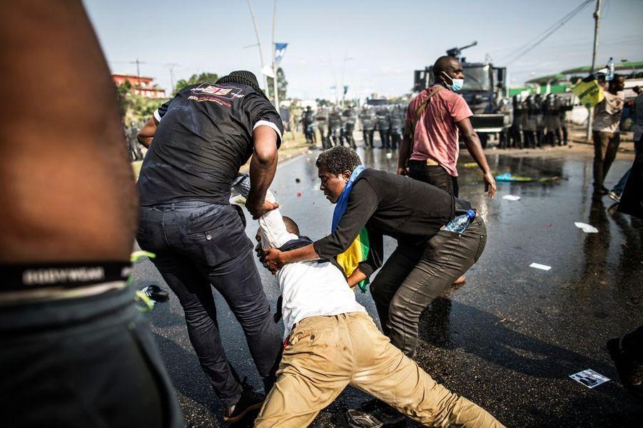 Gabon : l'Assemblée nationale en flammes après la réélection d'Ali Bongo
