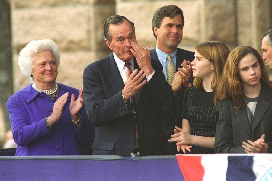 George H. W. Bush ému de voir son fils George W. Bush nommé gouverneur du Texas en janvier 1995