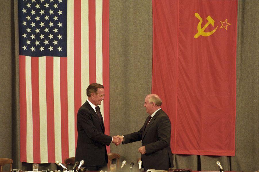 George H. W. Bush et Mikhail Gorbatchev en juillet 1991