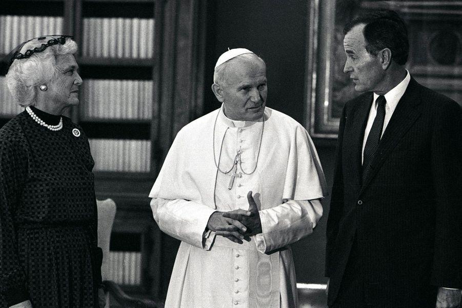 Au Vatican avec Jean-Paul II en 1985