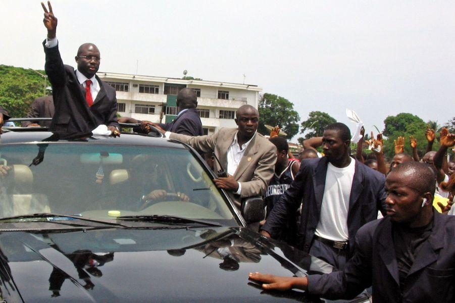 George Weah à Monrovia, en avril 2005.
