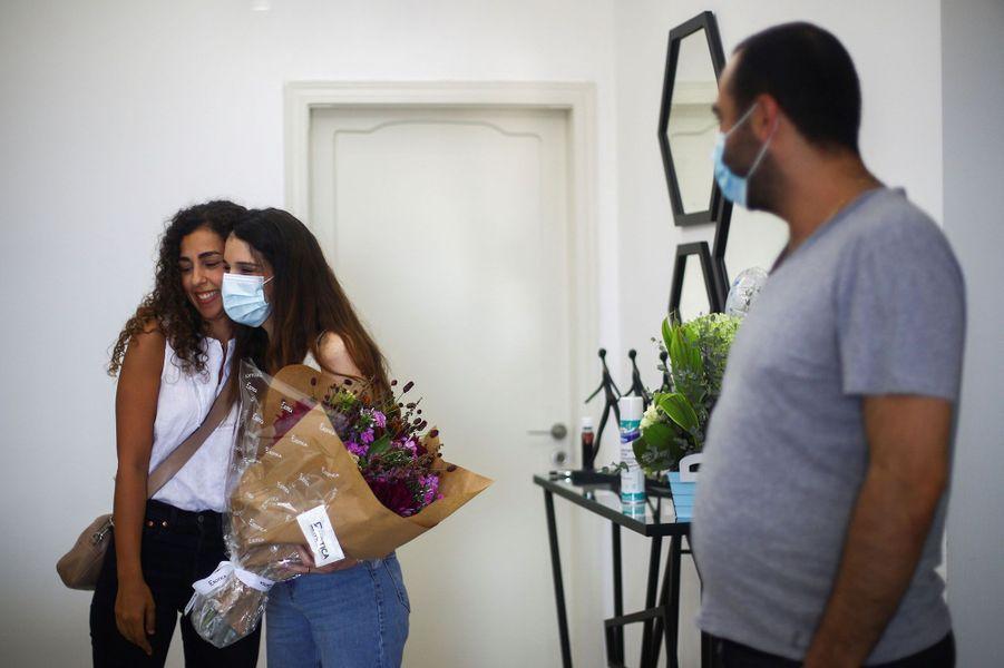 Georges, le bébé miracle des explosions de Beyrouth, est de retour à la maison
