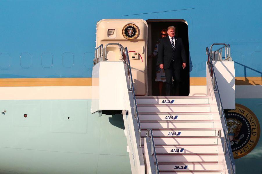 Golf, combat de sumos et rencontre avec l'empereur pour Donald et Melania Trump au Japon