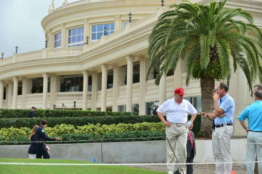 Donald Trump inaugure le parcours Tiger Woods au Trump National Doral, en janvier 2015.