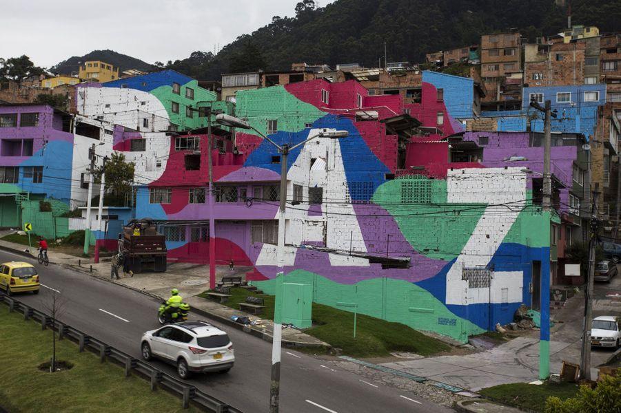 Guerre, paix et espoir inscrits sur les murs en Colombie