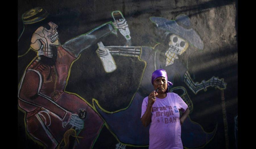 Les fresques représentent la danse des morts en transe qui festoient avec Baron Samedi et sa femme.
