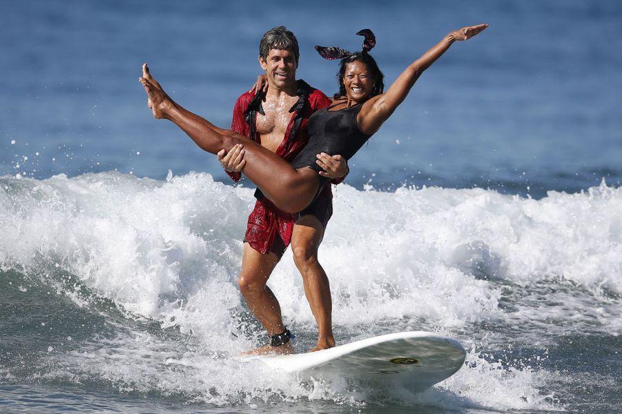 Jerermy Porfilio, 41 ans, et Tammy Mowery ont choisi de prendre les traits du fondateur de «Playboy» et de son ex-petite amie Kendra Wilkinson.