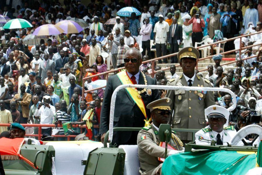 Hollande se pose en libérateur du Mali