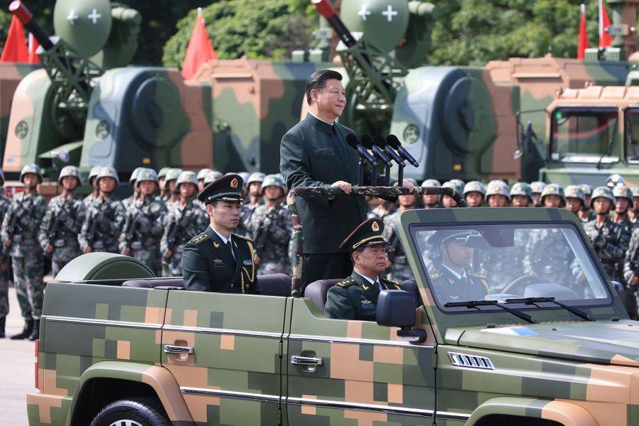 Xi Jinping lors du défilé à Hong Kong le 30 juin 2017.