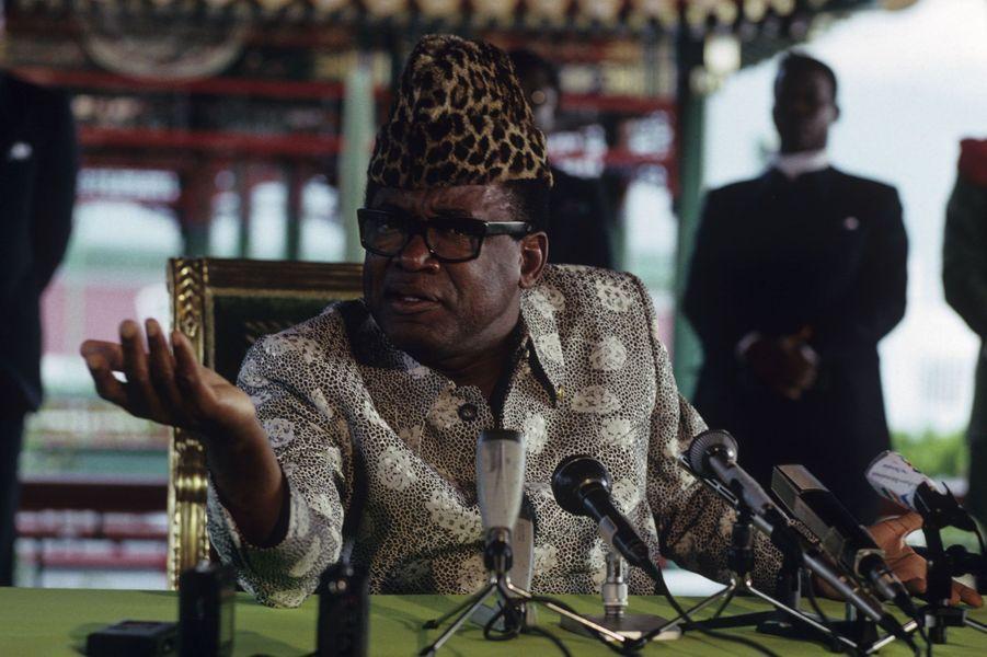 Mobutu lors d'une conférence de presse, Zaïre, le 25 avril 1990.